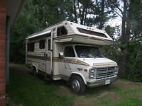 24FT 1985 Chevrolet Holidaire Motorhome