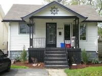 4 BDRM,2 BATH,STCLAIR & UOFWindsor,ALL INCLUS,INTERNET,LAUNDRY