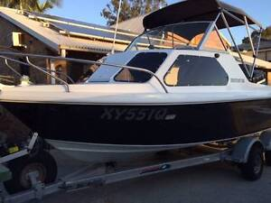 Caribbean Crestcutter Fully Refurbished Paradise Point Gold Coast North Preview