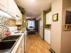 BEAUTIFUL 4 BEDROOM TOWNHOUSE IN MILLWOODS! CLOSE TO SHOPPING! Edmonton Edmonton Area image 6