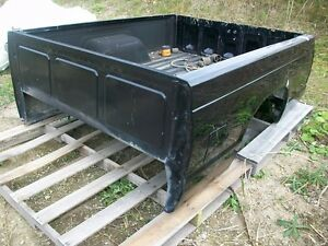 Chevrolet S10 - 6' Box and Tailgate