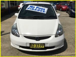 2004 Honda Jazz GD GLi White 1 Speed Constant Variable Hatchback