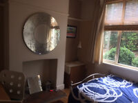 Lovely double room in nice Victorian terraced house. Stony Stratford. Mon - Fri only