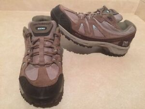 Women's New Balance 606 Abzorb Hiking Shoes Size 11 London Ontario image 2