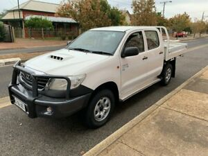 2013 Toyota Hilux KUN26R MY14 SR Double Cab White 5 Speed Manual Cab Chassis