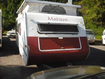 """2003 Madison CARAVAN 16'6"""" FOR SALE ON SUNSHINE COAST"""