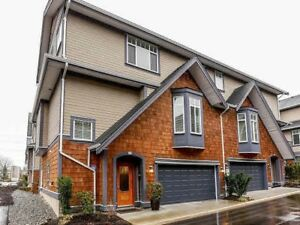 4Bed/4Bath Townhouse in Morgan Crossing South Surrey White Rock*