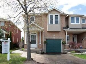 Newly Renovated 3 Bdrm End Unit Townhome in Uptown Core