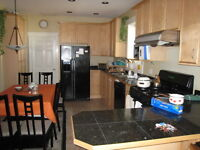 $500 Looking for roommates available NOW (Only 3mins walk from N
