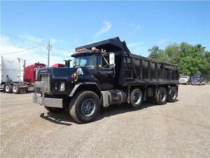 1998 MACK RB TRI-AXLE DUMP, 19'FT STEEL EXCAVATOR BOX