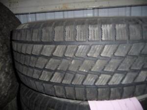 4 pneus d'hiver 225/60/16 Nordic Ice Trac