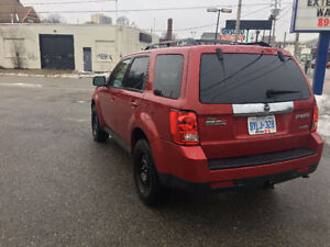 2011 Mazda Tribute, 4WD, V6, Snow + Summer tires & rims