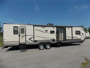 2017 Keystone HIDEOUT 38FQTS TRAVEL TRAILER LUXURY PKG