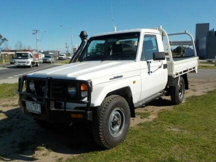 2006 Toyota Landcruiser White Manual Cab Chassis