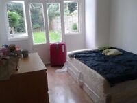 COMFORTABLE WIDE DOUBLE ROOM WITH DIRECT EXIT TO THE GARDEN