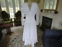 VINTAGE LADIES 2 PIECE, THE PERFECT MATCH. USED ONCE