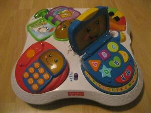 Fisher-Price - Laugh & Learn - Table électronique - Édition fran
