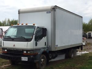 2001 Mitsubishi Truck WITH TAIL GATE