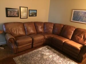 GRAND FAUTEUIL SECTIONNEL EN CUIR ! / SECTIONAL LEATHER SOFA!!