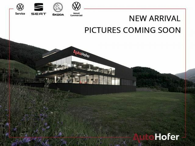 """VOLKSWAGEN Caddy 2.0 TDI Life Full LED Panorama App Connect 17"""" DAB"""