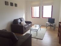 2 bedroom flat in Headland Court near RGU, Garthdee, residents parking