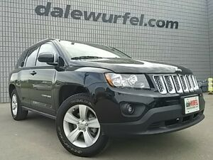 2016 Jeep Compass North 4X4 AUTO LEATHER/CLOTH ALLOYS London Ontario image 1