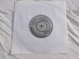 """Vinyl 7"""" 45 Tie A Yellow Ribbon Round The Old Oak Tree / I Can't Believe Now Much I Love You –Dawn"""