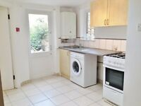 Amazing double studio apartment situated in a well maintained Victorian building, Finsbury Park, N4