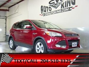 2014 Ford Escape SE / All Wheel Drive / Low Kms / Financing