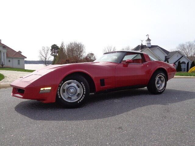 1981 Red Chevrolet Corvette   | C3 Corvette Photo 1