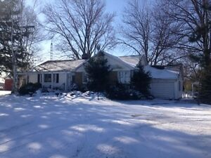ranch in Leamington for sale