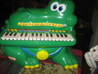 piano little tykes working batterys included