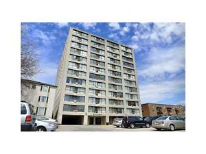 REDUCED!!! SOUTH FACING SUITE IN A GREAT LOCATION