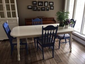 Beautifully Refurbished Dining Table and Chairs