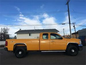 2007 Chevy Silverado 2500HD 4x4 = 187K = EXT CAB LONG BOX Edmonton Edmonton Area image 4