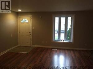 ** Beautiful 2 Bed + 1 Bath Newly Renovated House - Felix Ave **