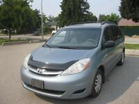 2006 Toyota Sienna LOCAL ONE OWNER!