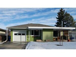 2 up 2 down bungalow with LOADS of upgrades!