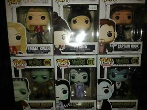 Friends Chandler Funko POP Vinyl Figure Cambridge Kitchener Area image 4