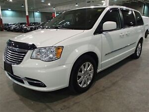 2013 Chrysler Town & Country TOURING DVD (LOADED!) **SUPER MINT!