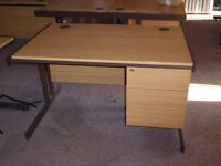 Lee and Plumpton Astral Euro light oak desk (10)