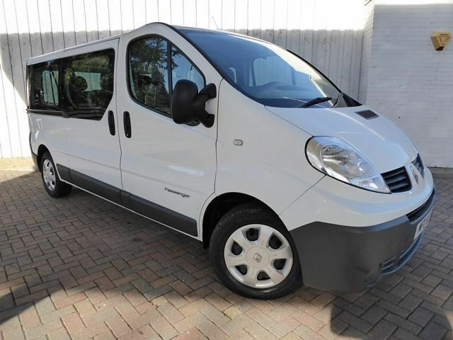 Renault Trafic 2.0 LL29 DCI 115 9 Seat Minibus ....Lovely Low Mileage Example....No Vat