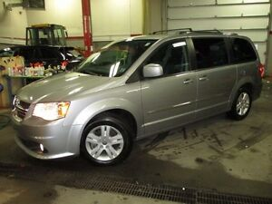 2016 Dodge GRAND CARAVAN Crew Plus (with Nav, & dual DVD)