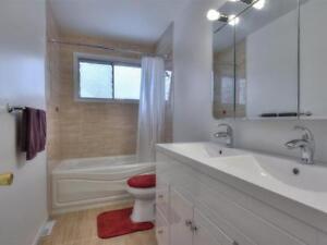 Beautiful house with 3 bedrooms + 1.5 bathrooms in Kirkland