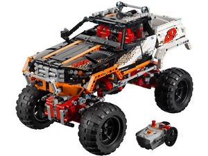 Lego Technic 9398 4x4 Crawler BRAND NEW  water damaged