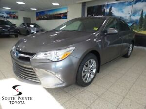2017 Toyota Camry Hybrid XLE | Leather | Heated Seats