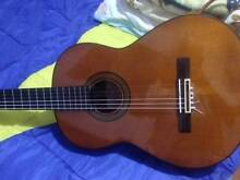 Yamaha G240 classical guitar. High quality excellent plus Ashfield Ashfield Area Preview