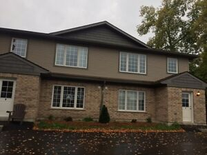 3 Bedroom Apartment Available in Listowel Nov. 1, 2016