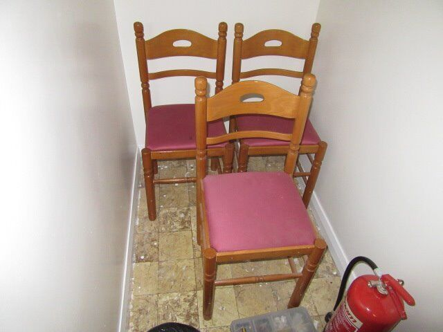 RED CHAIRS , USED , CAN DELIVER