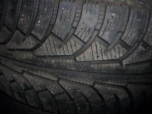 2 pneus d'hiver 255/55/18 Nokian Hakkapeliitta 5